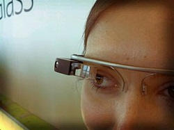 Picture of a lady wearing Google Glass